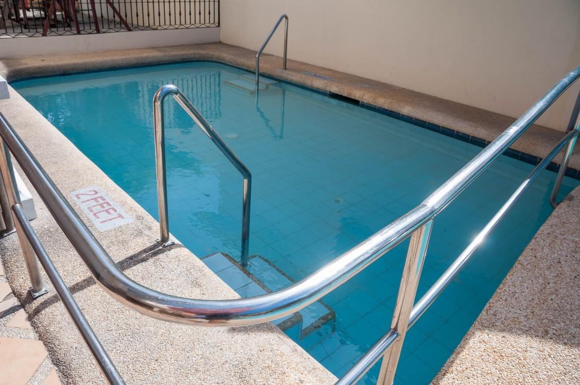 Swimming pool5