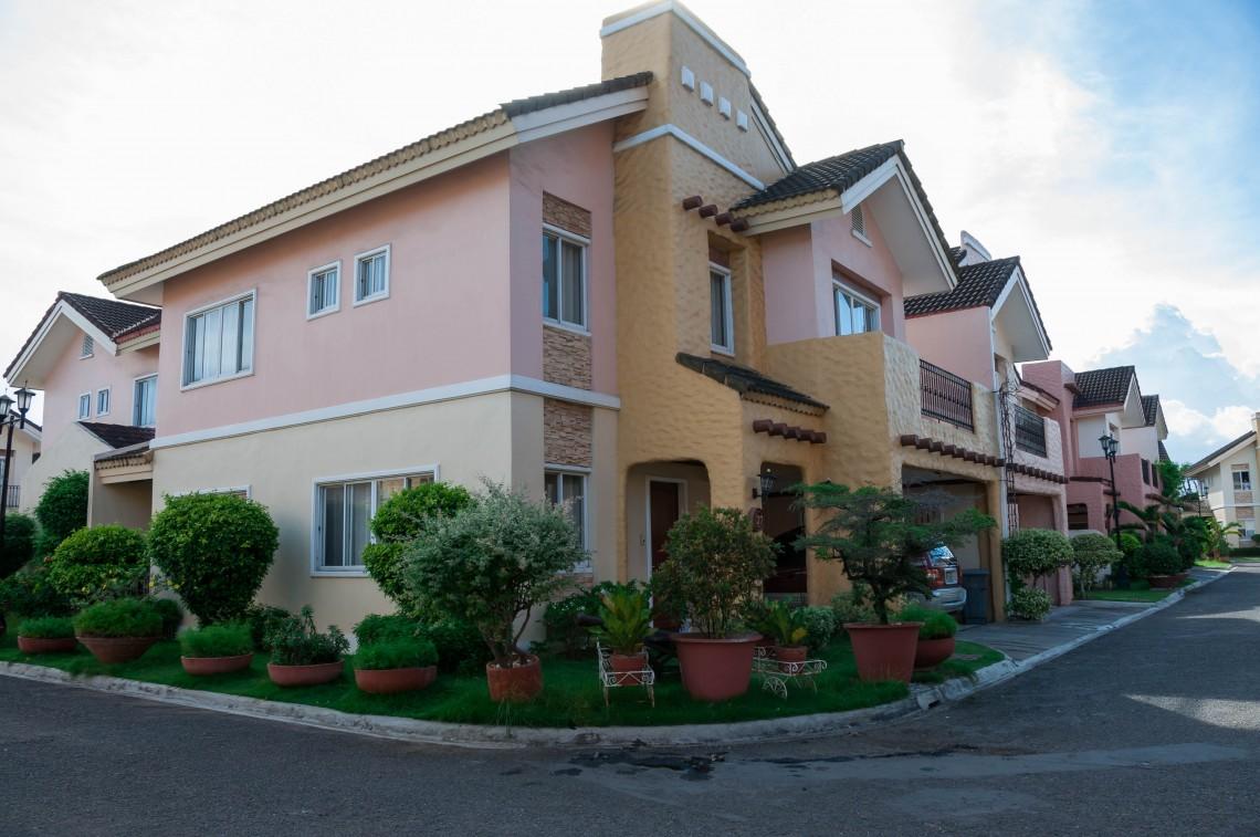 Crown Regency Hotel 3